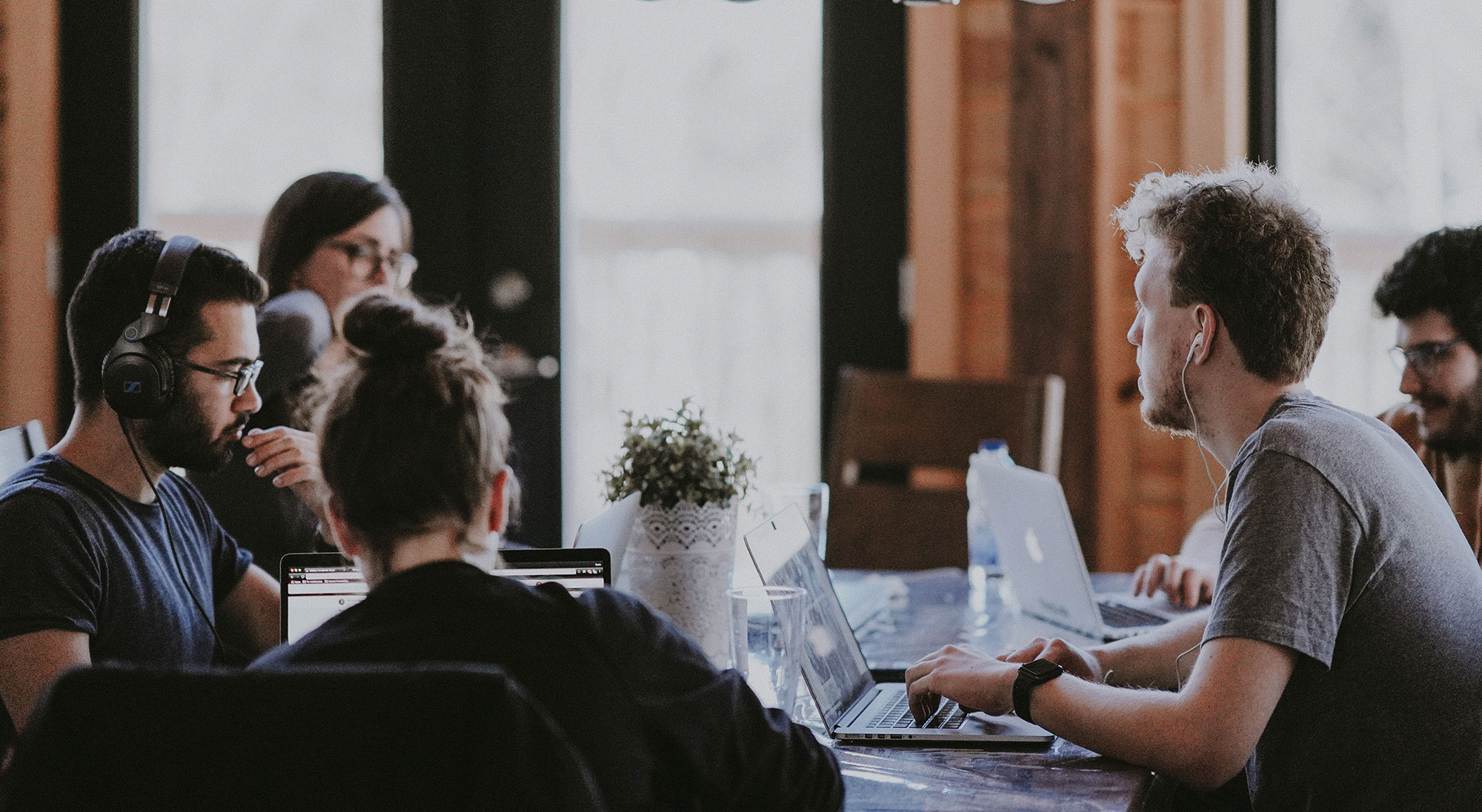 How To Build A Social Media Team For Your Church (5 Crucial Tips)